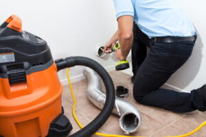 duct-cleaning-with-vacuum